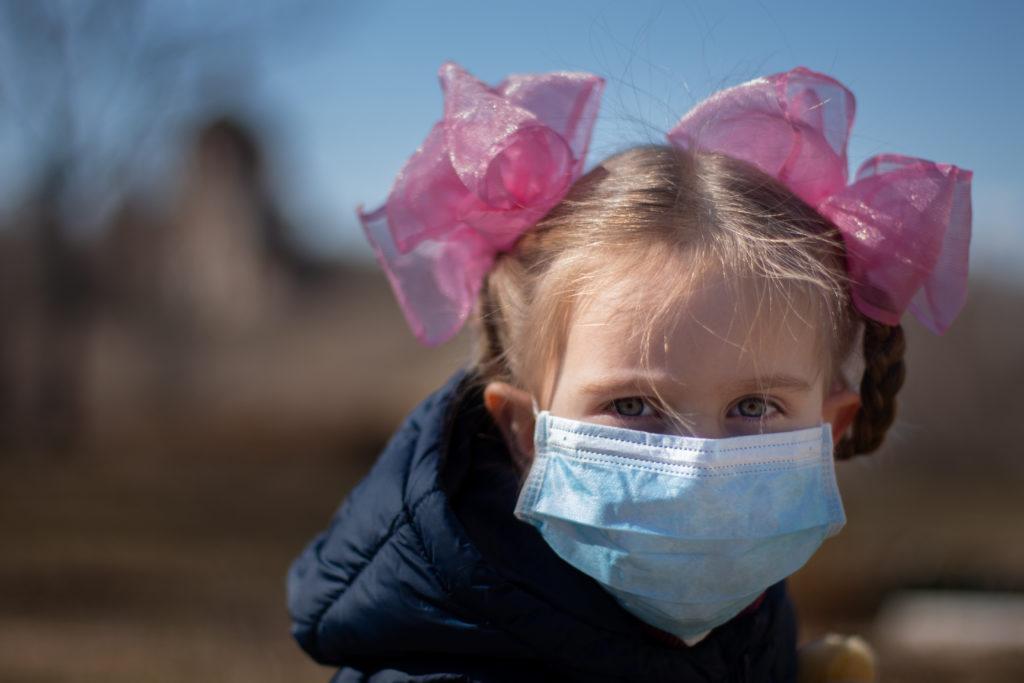 Дети переносят коронавирус легче взрослых - статистика